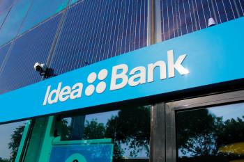 01-Idea-Bank-Brand-Localization-by-Brandient