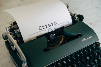 crisis-5238323_1280
