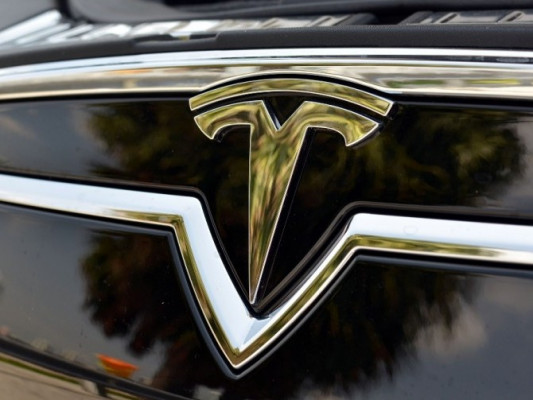 Tesla-Motors-Badge-Letter-T-logo-760x503