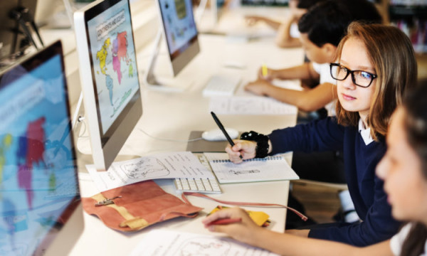 school-children-computers
