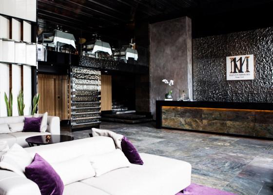 11-mirrors-hotel