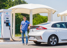 DTEK has launched a network of five high-speed charging stations STRUM on the way from Kyiv to Lviv