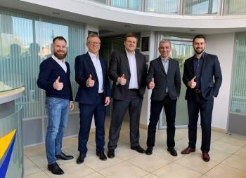 ИГ «УНИВЕР» и Федор Дроздовский покупают долю в мобильном приложении для инвестиций