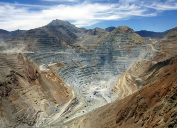 antofagasta-hit-by-copper-slump-will-pay-big-dividend-anyways