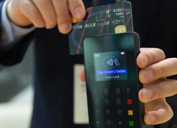 credit-card-1730085_1920_7