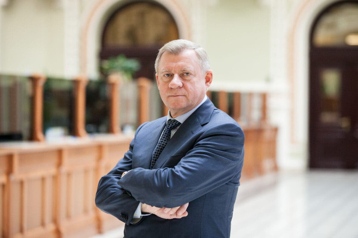 Руководитель министра финансов поведал опоследствиях отставки Смолия
